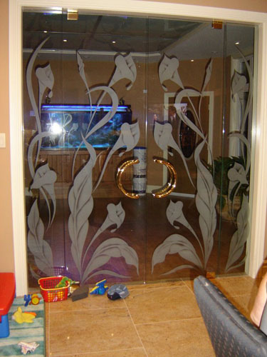 Interior frameless glass doors with non privacy flora design